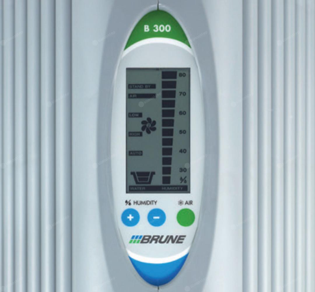 Nawilżacz powietrza BRUNE B 300 - czytelny panel sterowania