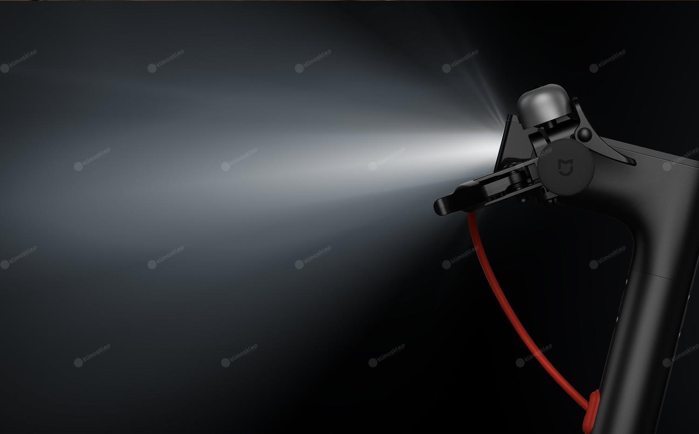 Hulajnoga elektryczna Xiaomi M365 - reflektor przedni